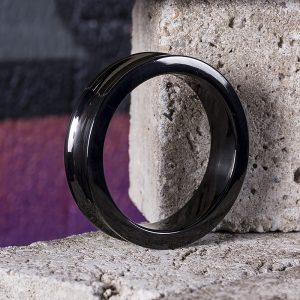 Black Line Belowed C-Ring