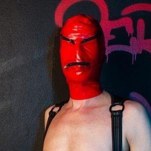 Rood Latex met Zwarte Ritsen Masker